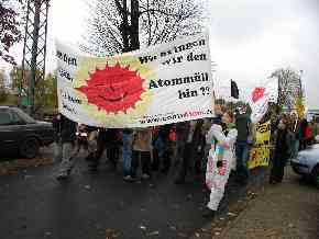 Demonstration in Buchholz am 01.11.2003