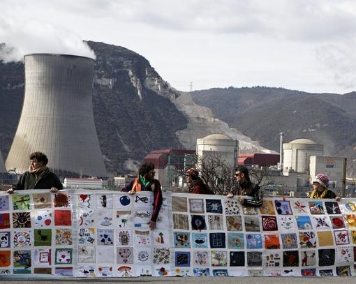 11.03.2012: Menschenkette in Frankreich - Bild: chainehumaine.org