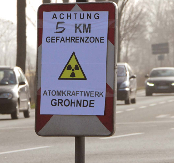 Evakuierungszone AKW Grohnde: Warnschilder im Weserbergland; Bild: dewezet.de