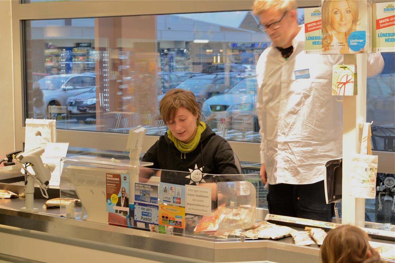 dm-markt Kassieraktion am 29.02.2012