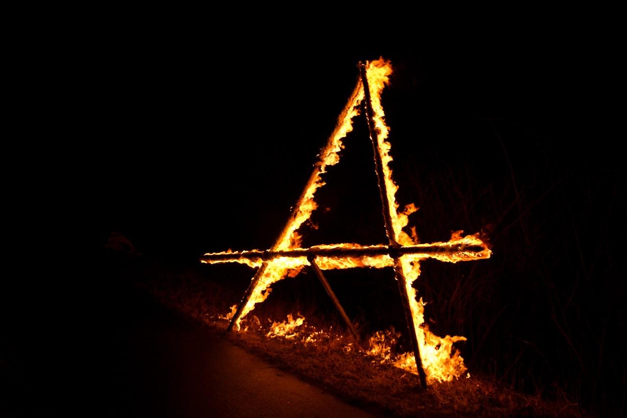 11.03.2012 - Protest mit brennendem A bei Lichterkette im Braunschweiger Land
