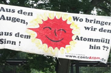 Protestplakat am 10.08.2010 vor der GKSS