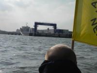 16.09.2012 - Protestpaddeln vor dem Anleger des Plutonium-Transports in Nordenham