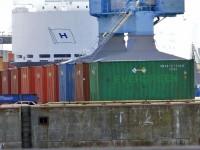 14.8.2014: Uran-Container im Hamburger Hafen, Bild: antiatomcamp.nirgendwo.info