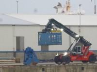 6.10.2014 - Container mit Urankonzentrat im Hamburger Hafen, Bild: robinwood.de